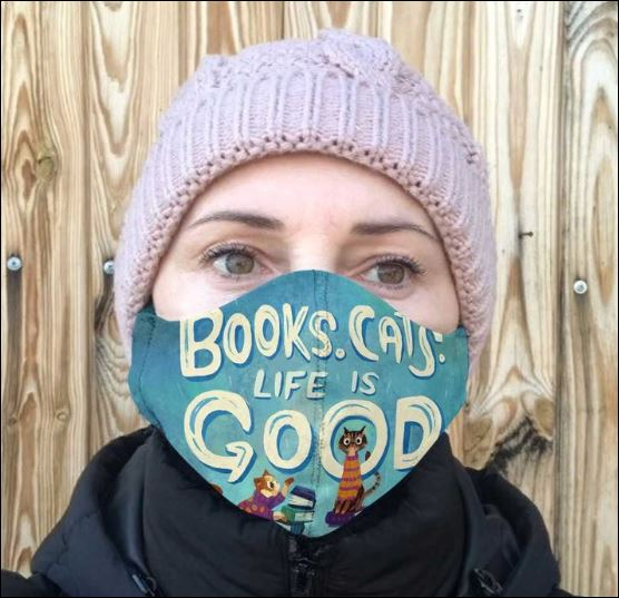 Books cats life is good cloth face mask