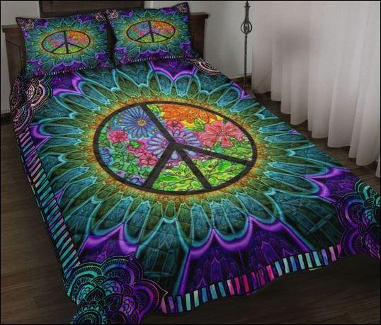 Floral Hippie logo quilt