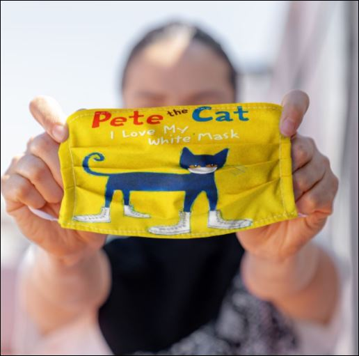 Pete the cat i love my white mask face mask