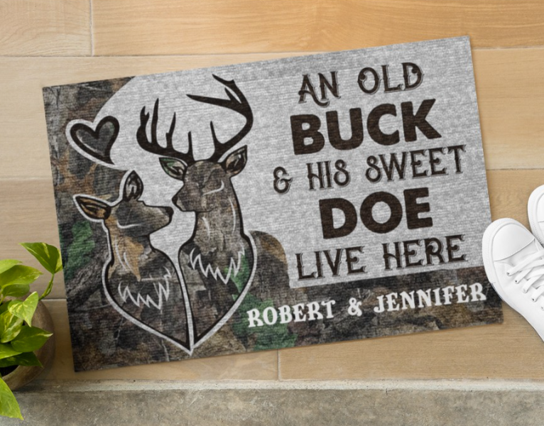 Personalized An old buck and his sweet doe live here doormat 1