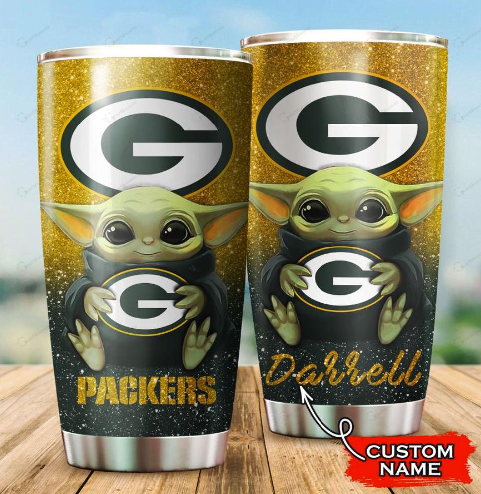 Personalized Baby Yoda hug Green Bay Packers tumbler