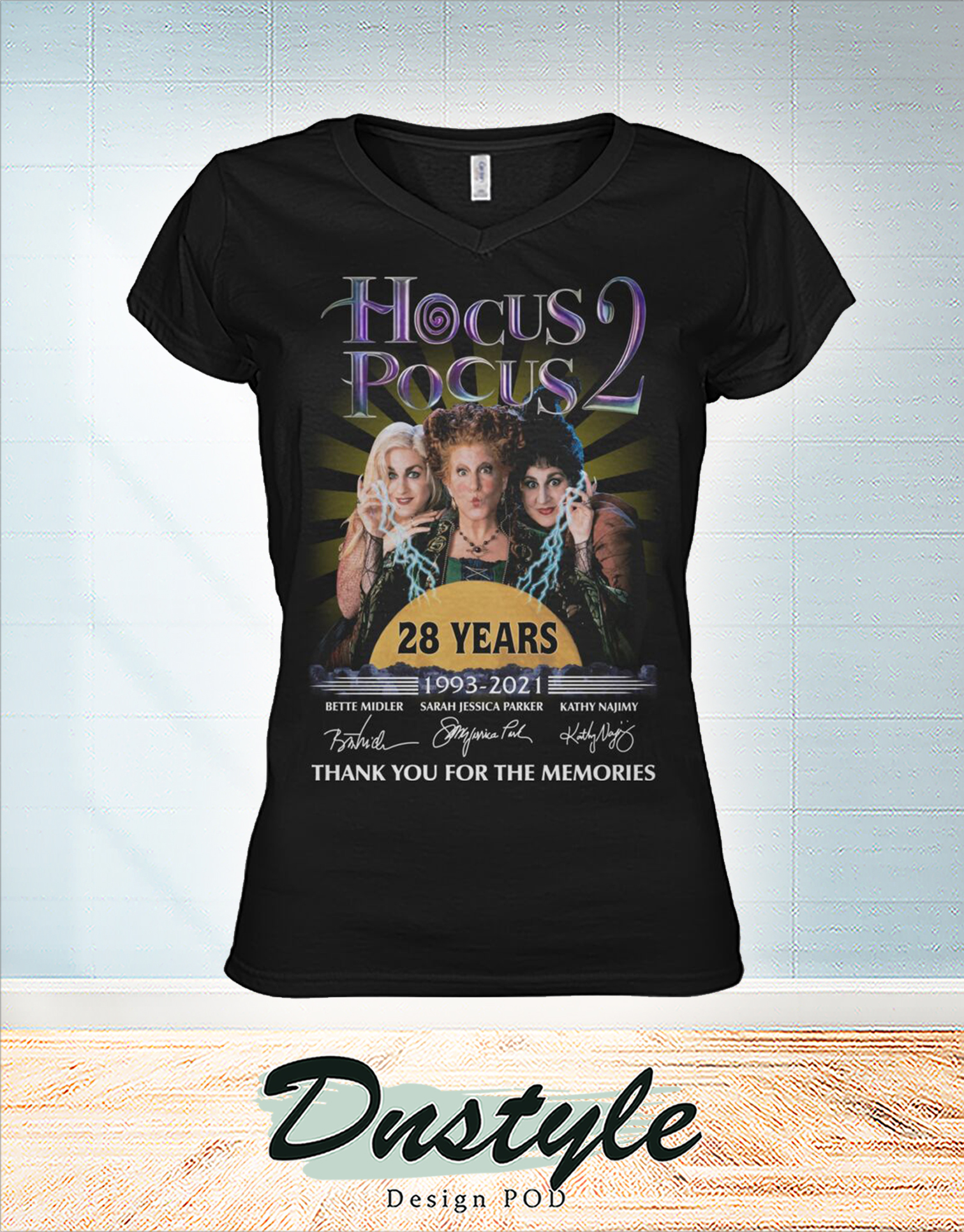 Hocus pocus 28 years thank you for the memories v-neck