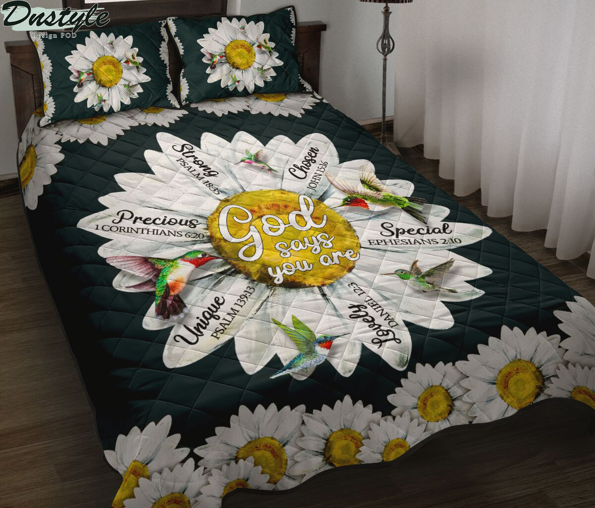Hummingbird daisy god says you are quilt bed set
