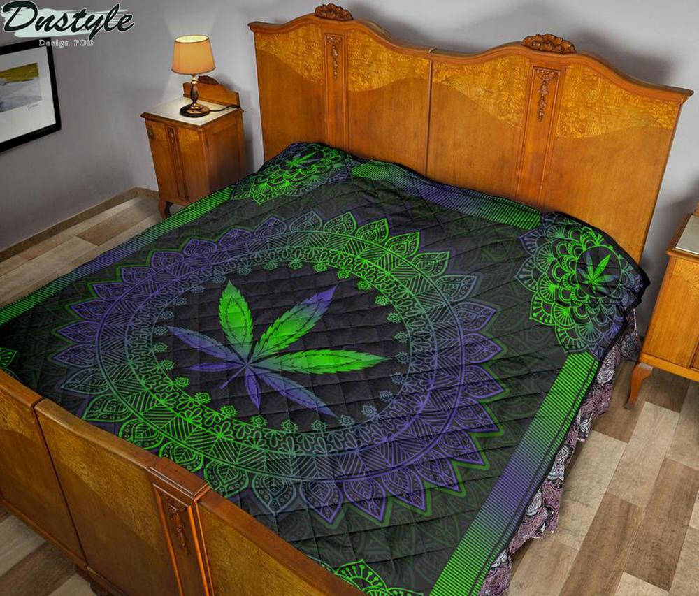 Mandala Leaf Premium Blanket Quilt 1