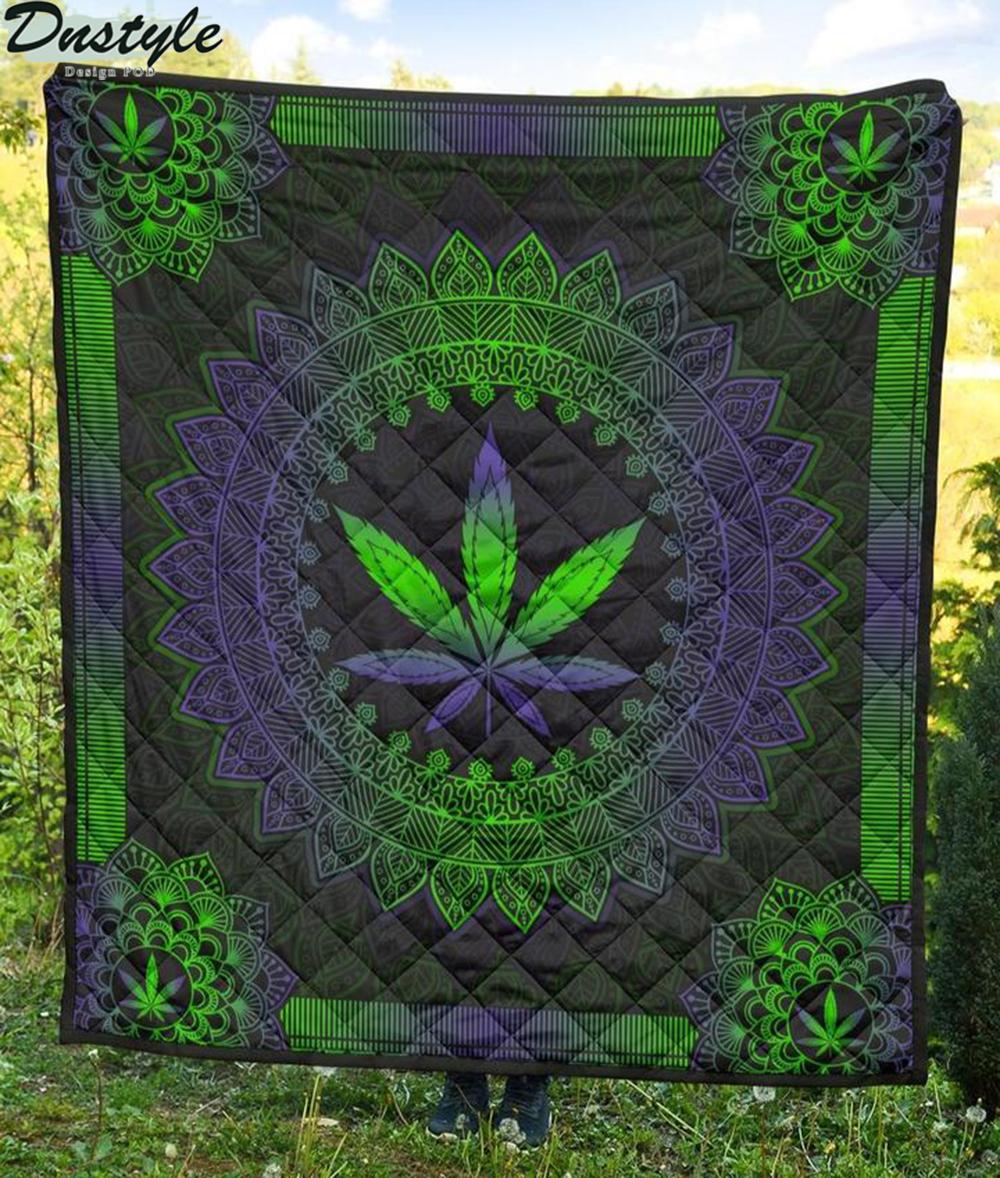 Mandala Leaf Premium Blanket Quilt 2