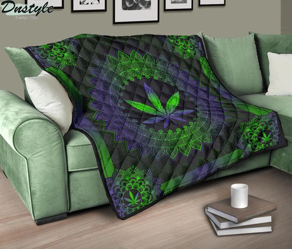 Mandala Leaf Premium Blanket Quilt