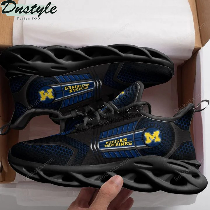 Michigan wolverines NCAA max soul shoes