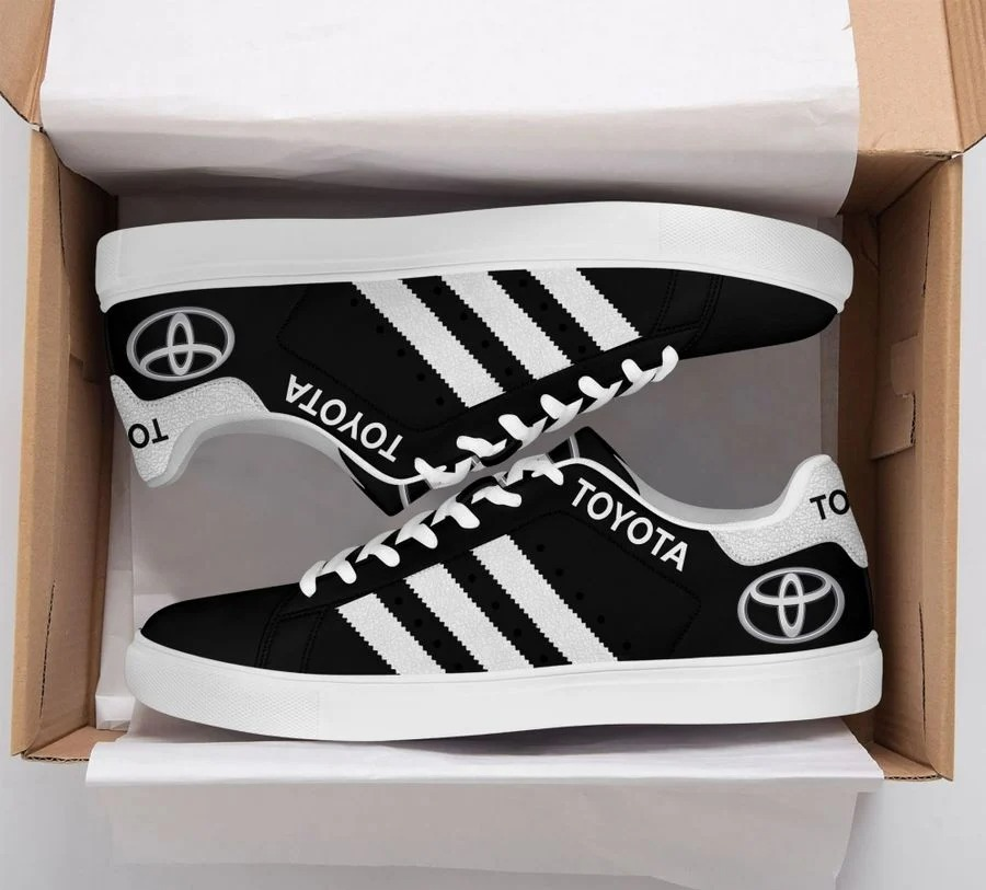 Toyota stan smith low top shoes 1