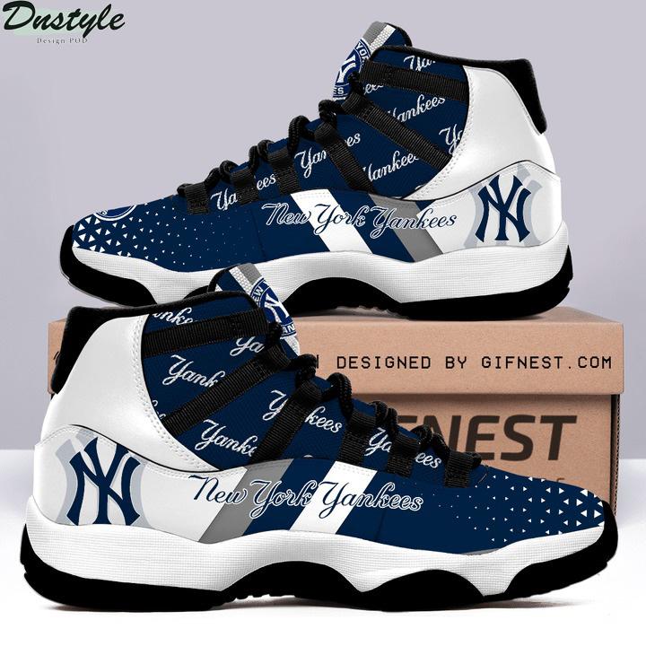 Air jordan 11 new york yankees sneaker