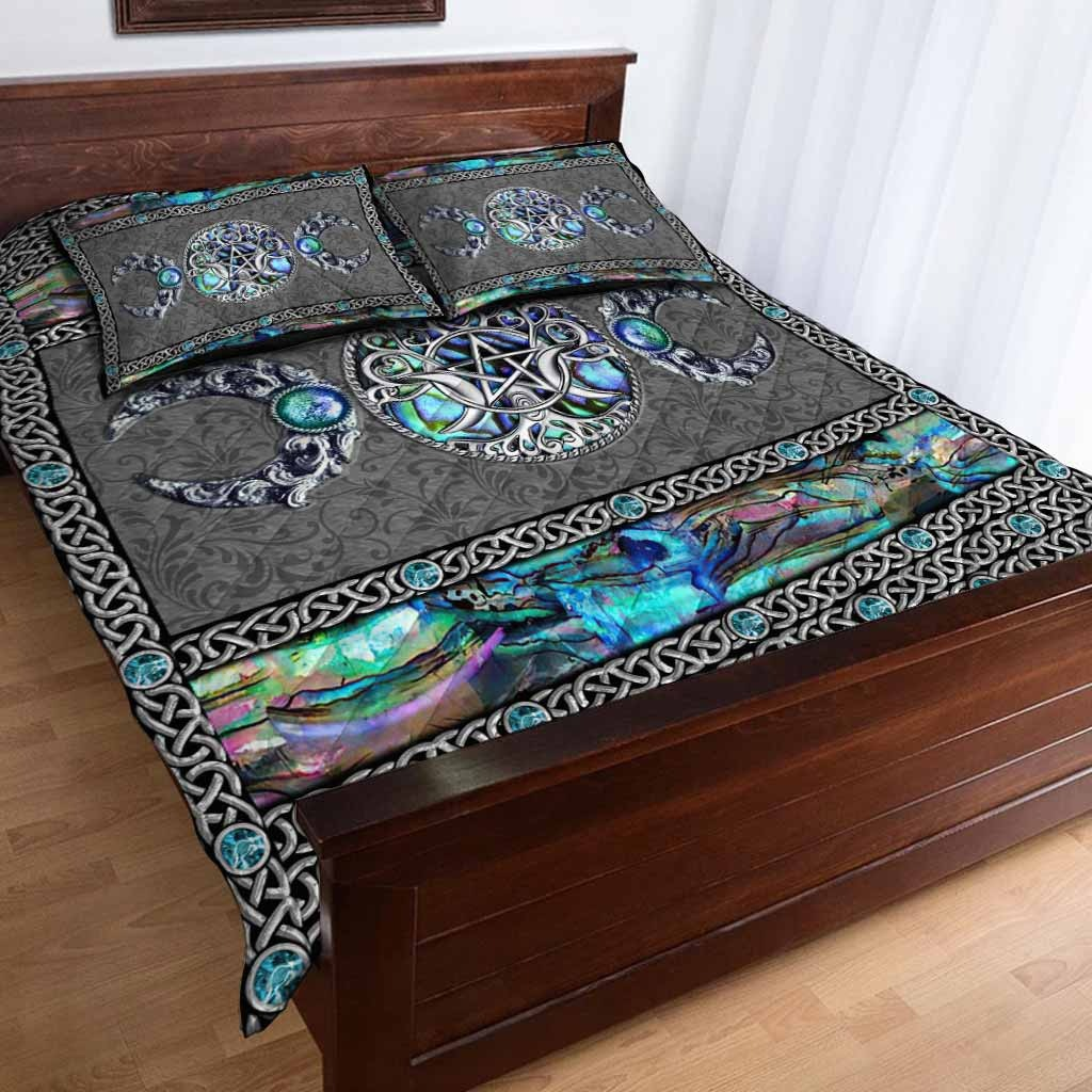 Mystery Spirit Triple Moon Witch Quilt Set 2