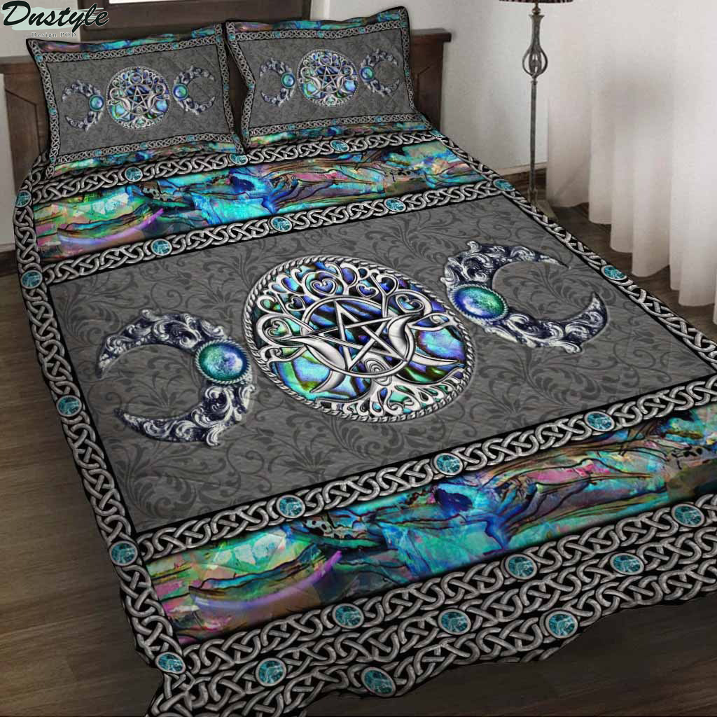 Mystery Spirit Triple Moon Witch Quilt Set